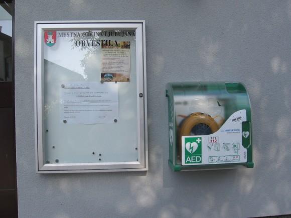 Defibrilator-Pločanska 8 -montaža 23.5.2014